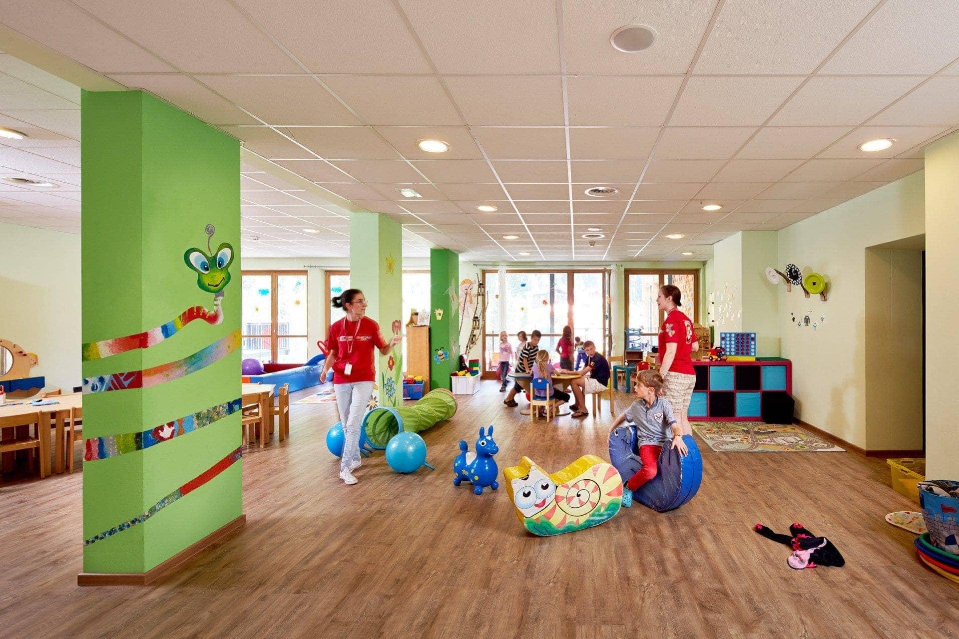Alpine lifestyle kinderhotel almhof designhotel tirol for Designhotel kinder
