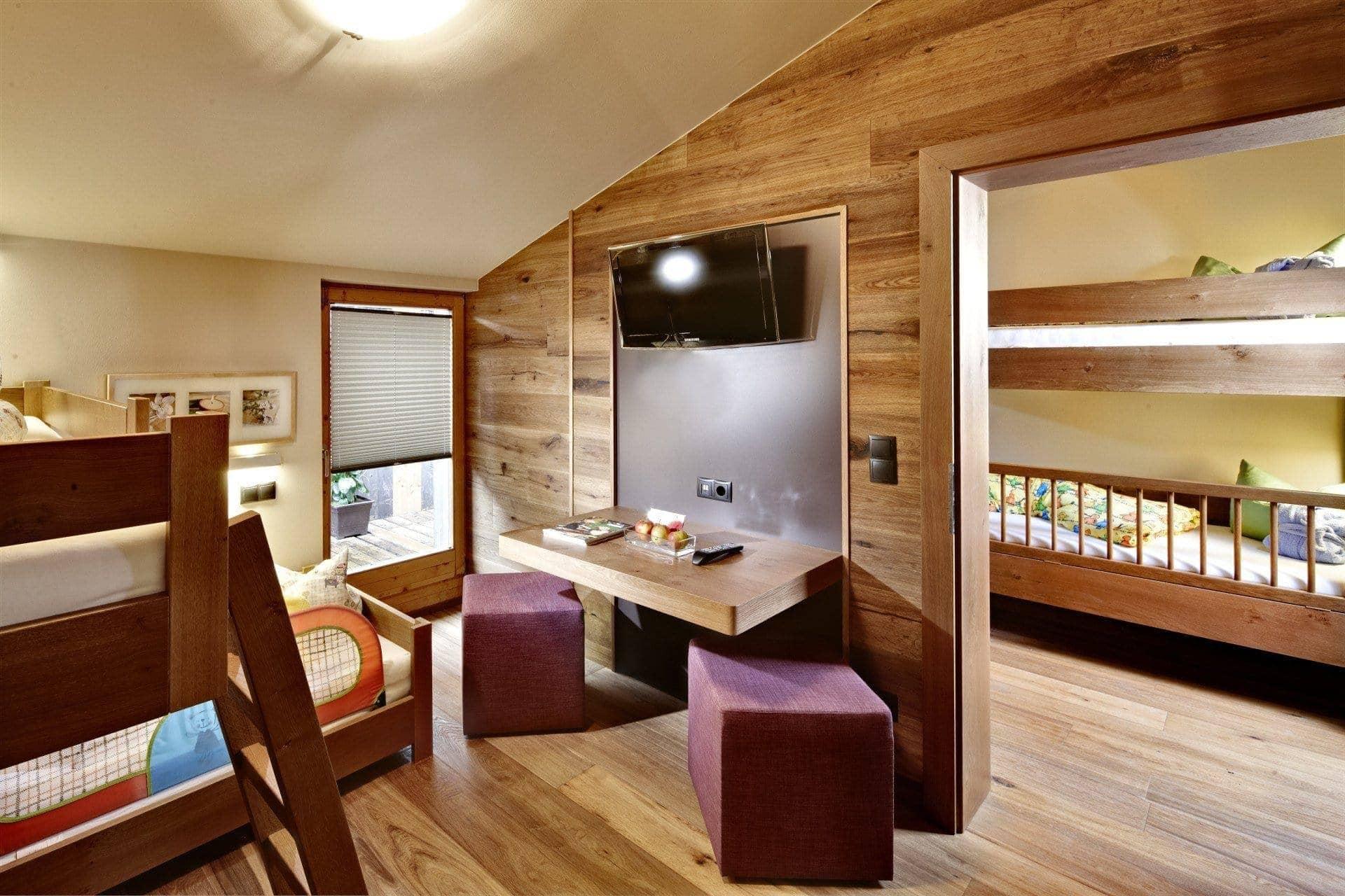 jumbo-loft-suite