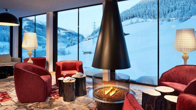 Wellness Relax Lounge mit Kamin