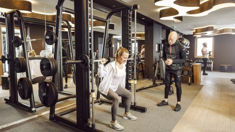 Fitness Kniebeuge mit Langhantel