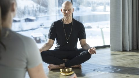 Yoga Tommy 1